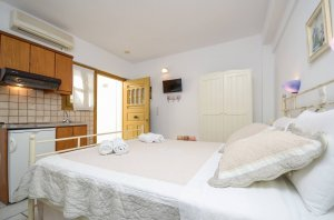 Ground floor double bed with patio