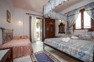 Junior Suite with Private Veranda / Castle View