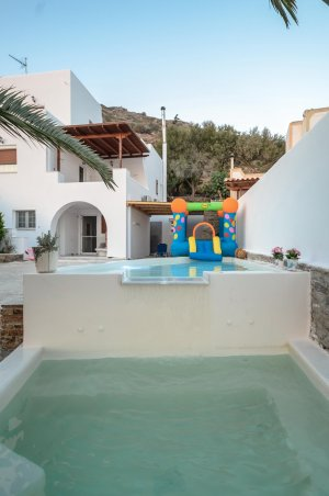 Flora Country Villa with children pool and outdoor jacuzzi
